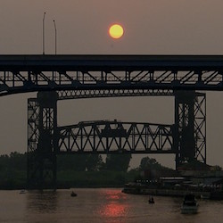 Corps of Engineers Awards Contract to Dredge Cleveland Harbor in 2016